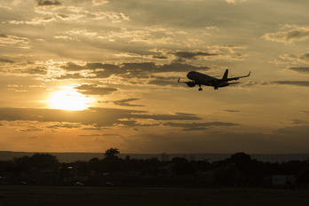 PR-OCV - Avianca Brasil Airbus A320