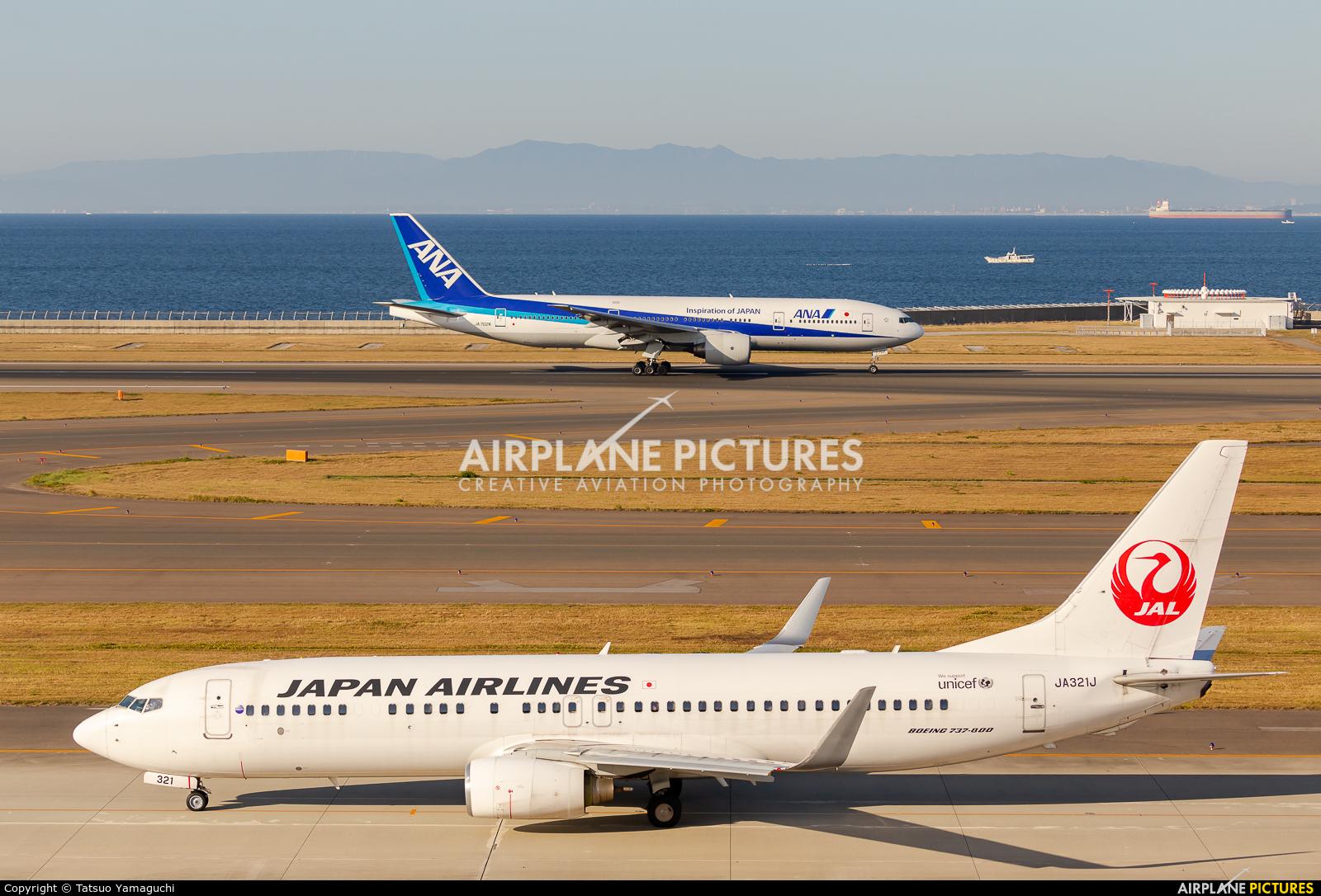 JAL - Japan Airlines JA321J aircraft at Chubu Centrair Intl