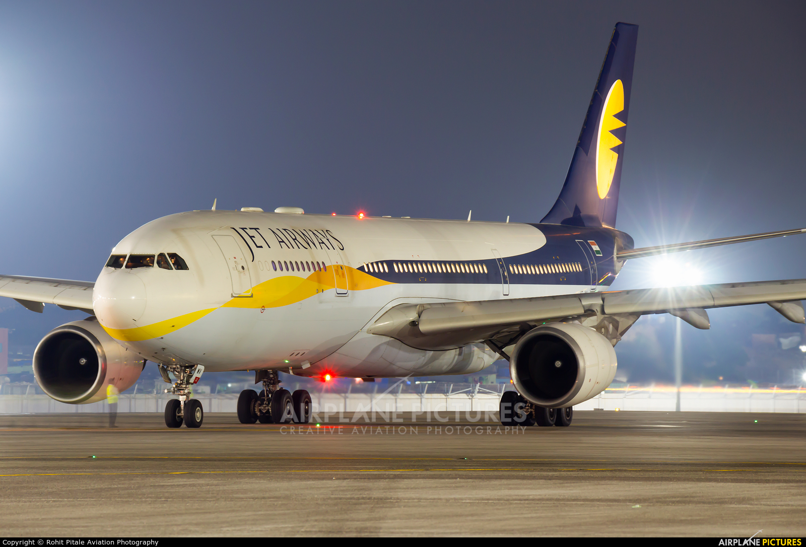 Jet Airways VT-JWV aircraft at Mumbai - Chhatrapati Shivaji Intl