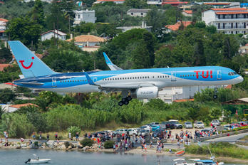 G-OOBF - TUI Airways Boeing 757-200