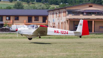 HA-1224 - Private Scheibe-Flugzeugbau SF-25 Falke