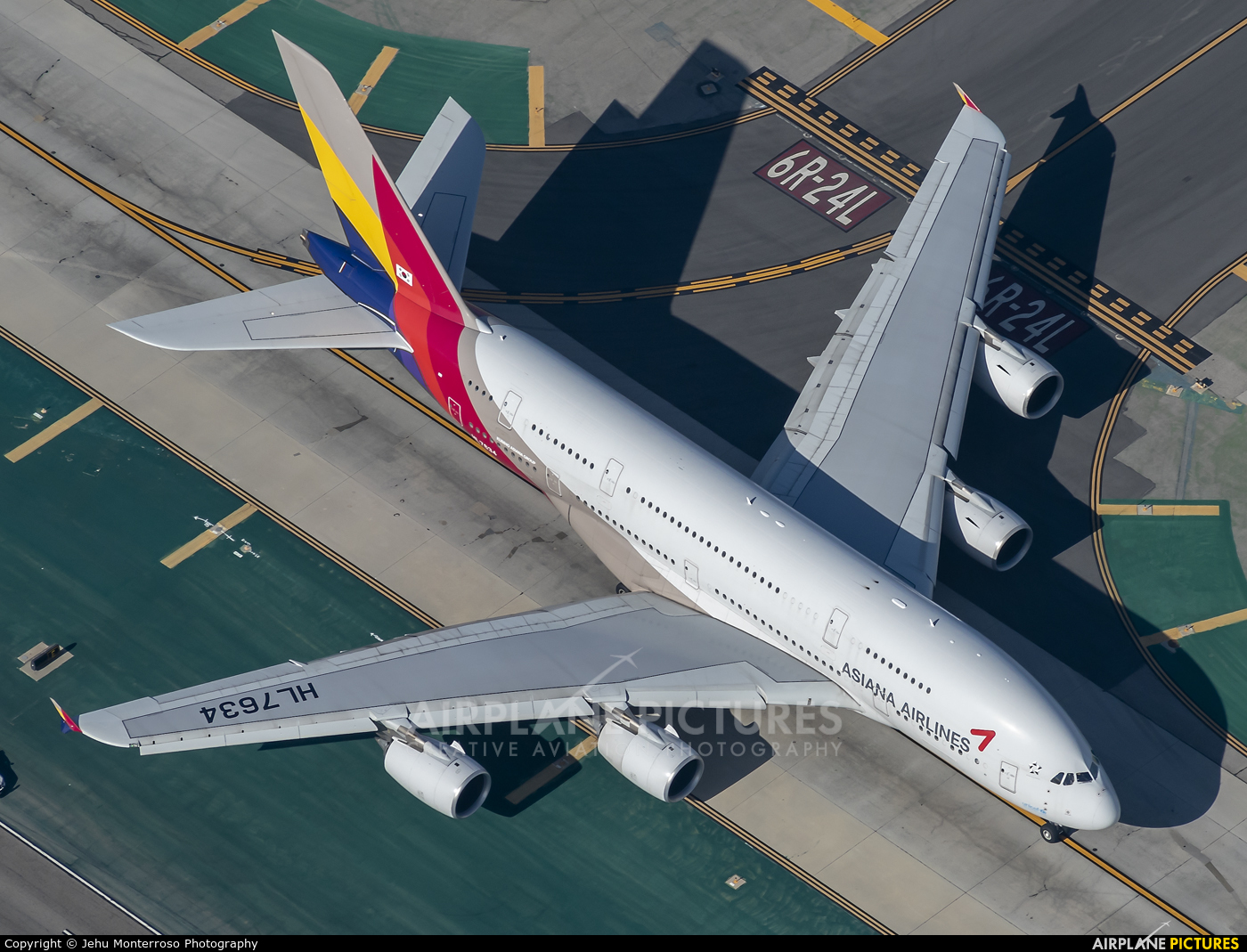 Asiana Airlines HL7634 aircraft at Los Angeles Intl