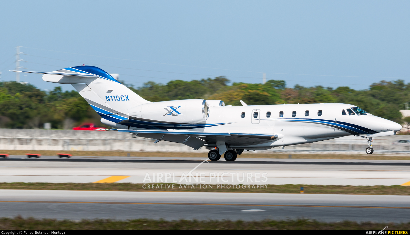 Private N110CX aircraft at Fort Lauderdale - Hollywood Intl