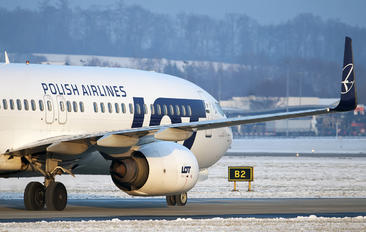 SP-LAW - LOT - Polish Airlines Boeing 737-800