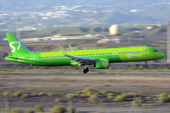 VQ-BDU - S7 Airlines Airbus A321