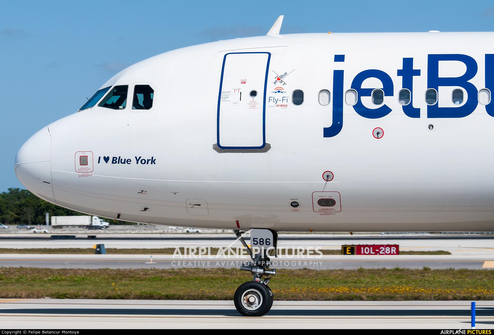 JetBlue Airways N586JB aircraft at Fort Lauderdale - Hollywood Intl