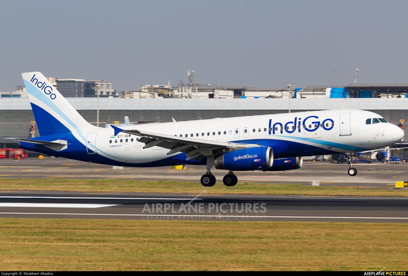 IndiGo VT-IGW aircraft at Mumbai - Chhatrapati Shivaji Intl