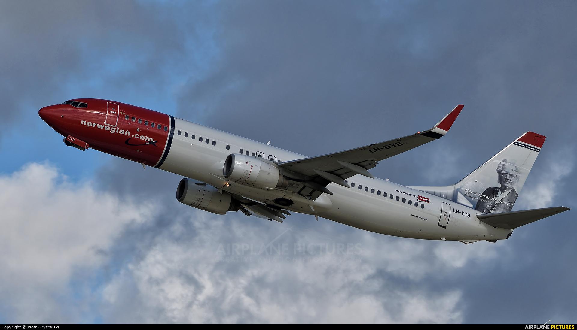 Norwegian Air Shuttle LN-DYB aircraft at Kraków - John Paul II Intl