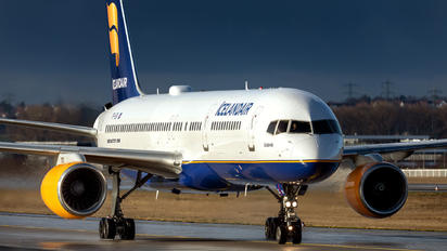 TF-ISV - Icelandair Boeing 757-200
