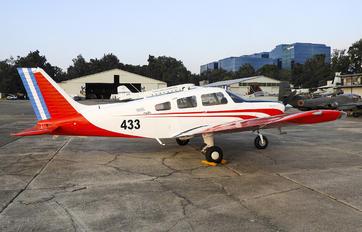 433 - Private Piper PA-28 Archer