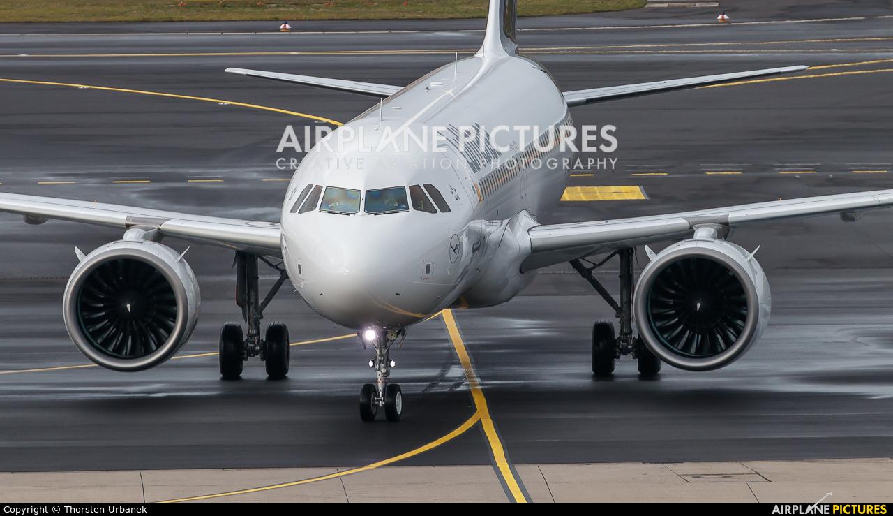 Lufthansa D-AINN aircraft at Düsseldorf