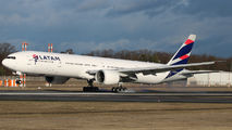 PT-MUI - LATAM Brasil Boeing 777-300ER aircraft