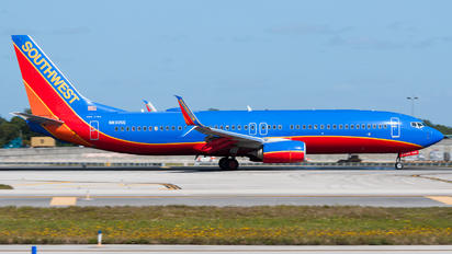N8305E - Southwest Airlines Boeing 737-8H6