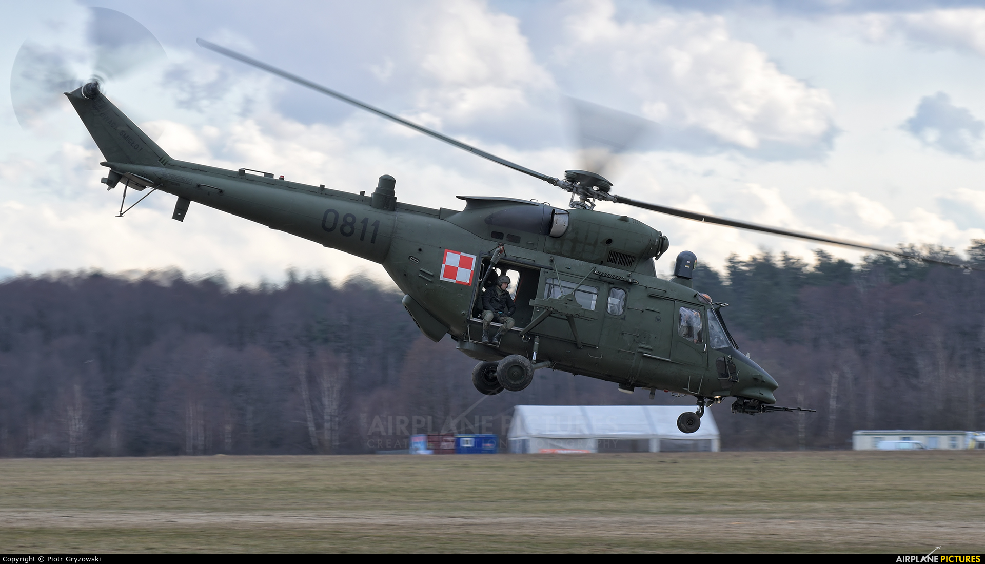 Poland - Army 0811 aircraft at Rybnik - Gotartowice