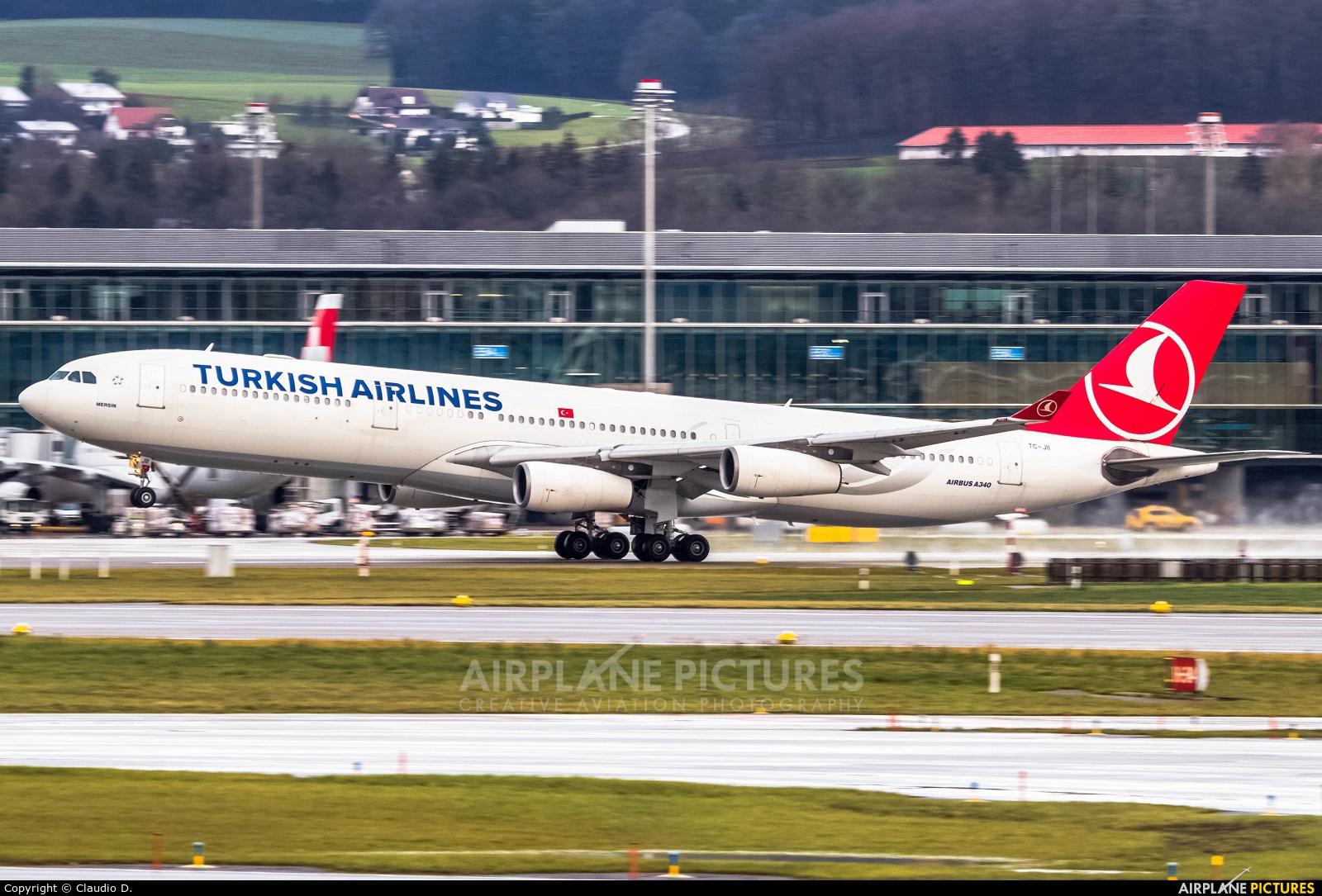 Turkish Airlines TC-JII aircraft at Zurich
