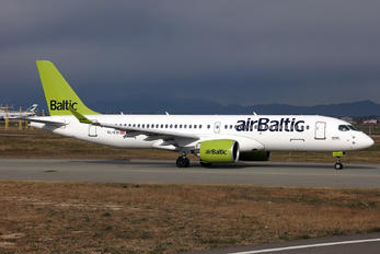 YL-CSI - Air Baltic Bombardier CS300