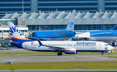 TC-SOA - SunExpress Boeing 737-800