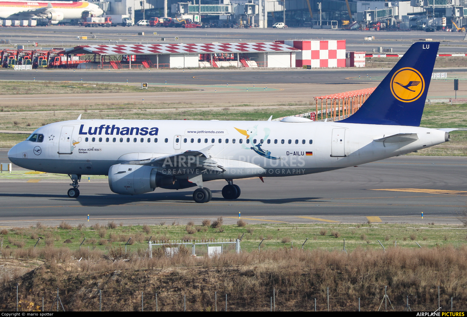 Lufthansa D-AILU aircraft at Madrid - Barajas