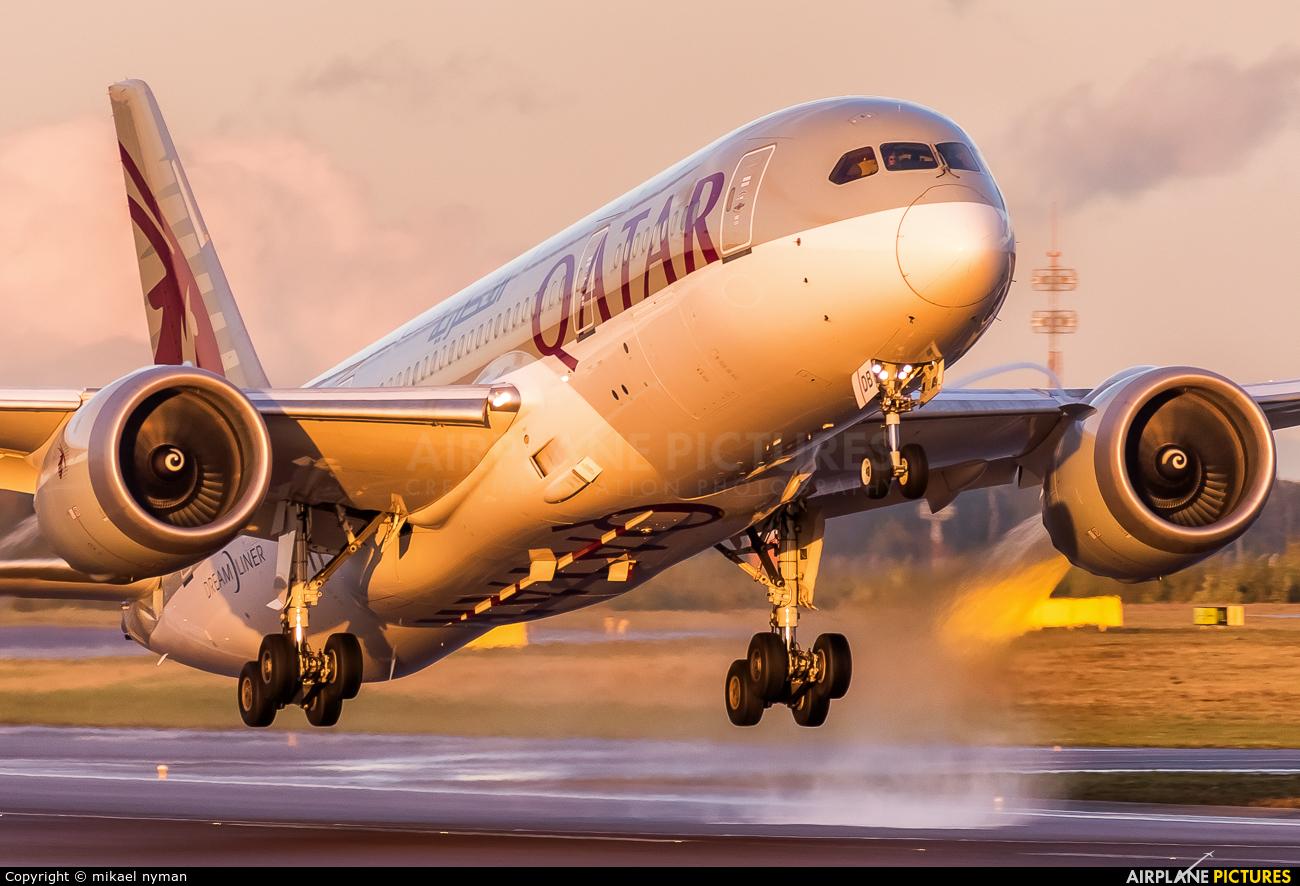 Qatar Airways A7-BDB aircraft at Helsinki - Vantaa