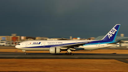 JA706A - ANA - All Nippon Airways Boeing 777-200ER
