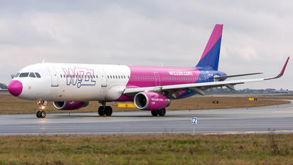 HA-LXK - Wizz Air Airbus A321