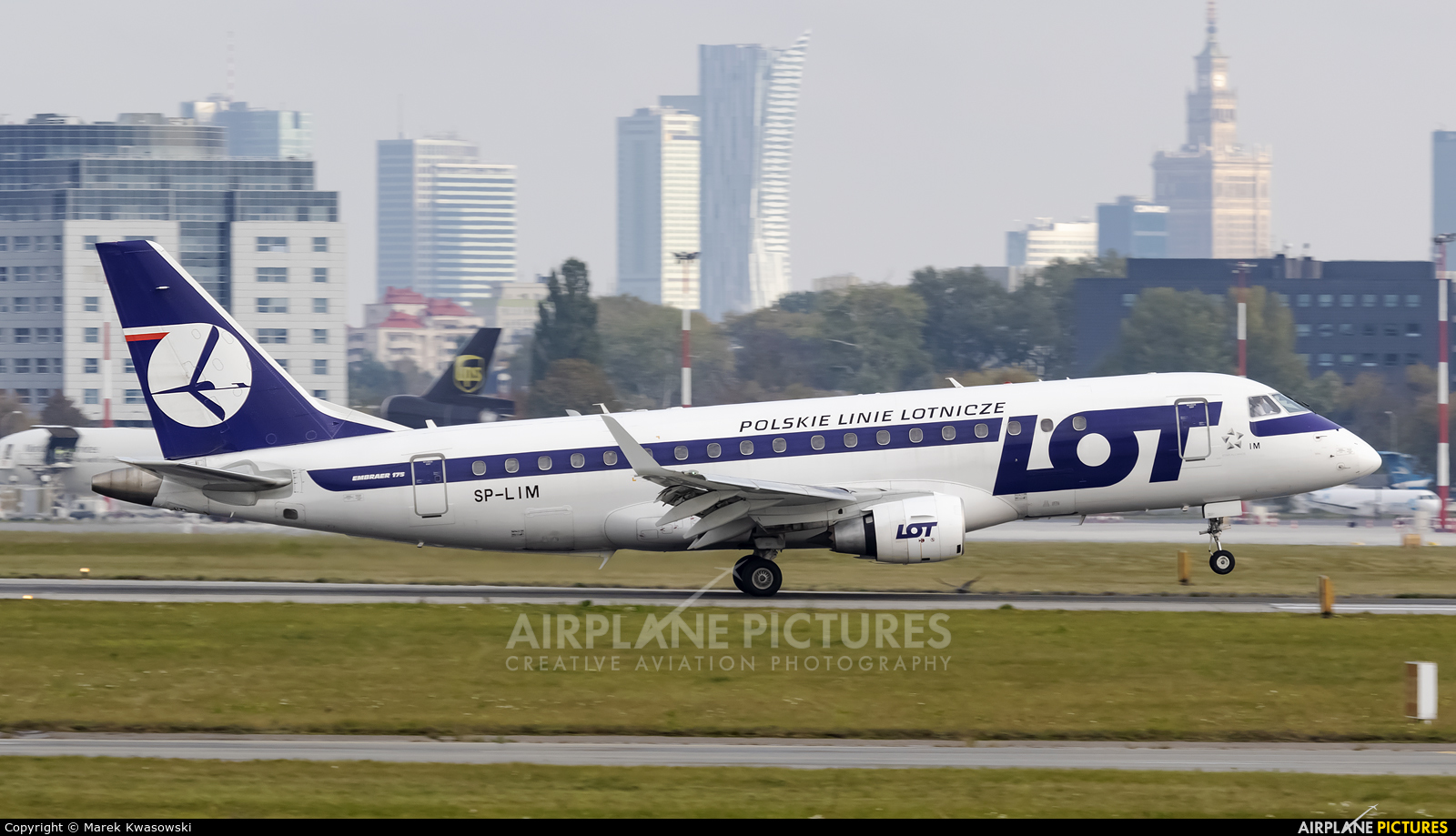LOT - Polish Airlines SP-LIM aircraft at Warsaw - Frederic Chopin