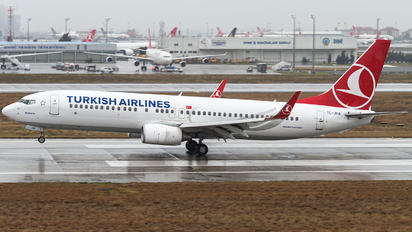 TC-JHA - Turkish Airlines Boeing 737-800