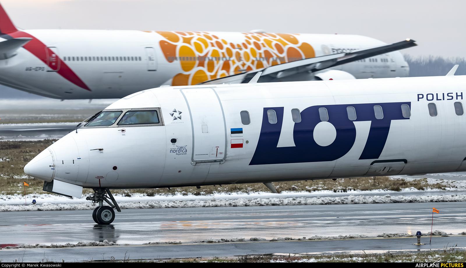 LOT - Polish Airlines ES-ACK aircraft at Warsaw - Frederic Chopin