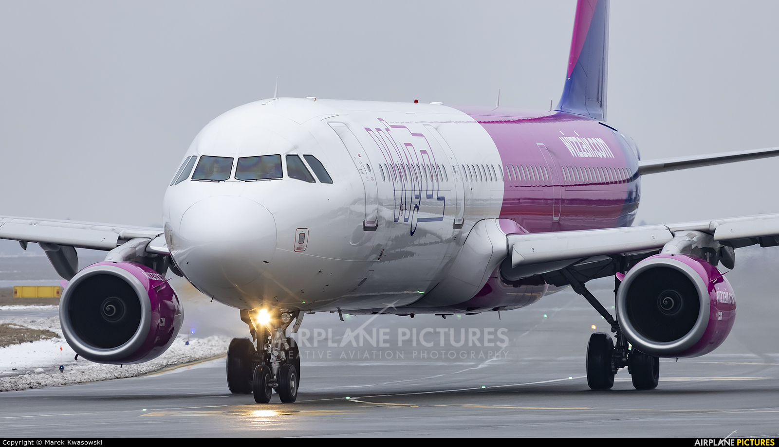 Wizz Air HA-LXJ aircraft at Warsaw - Frederic Chopin