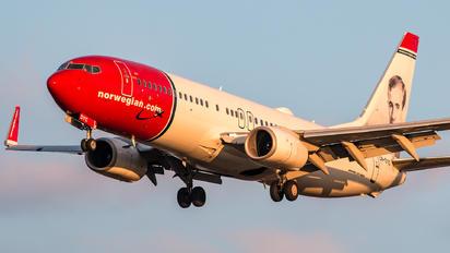 LN-DYC - Norwegian Air Shuttle Boeing 737-800