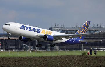 N640GT - Atlas Air Boeing 767-300ER