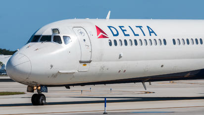 N931DL - Delta Air Lines McDonnell Douglas MD-88