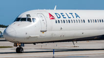 N931DL - Delta Air Lines McDonnell Douglas MD-88 aircraft