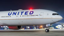 N2333U - United Airlines Boeing 777-300ER aircraft
