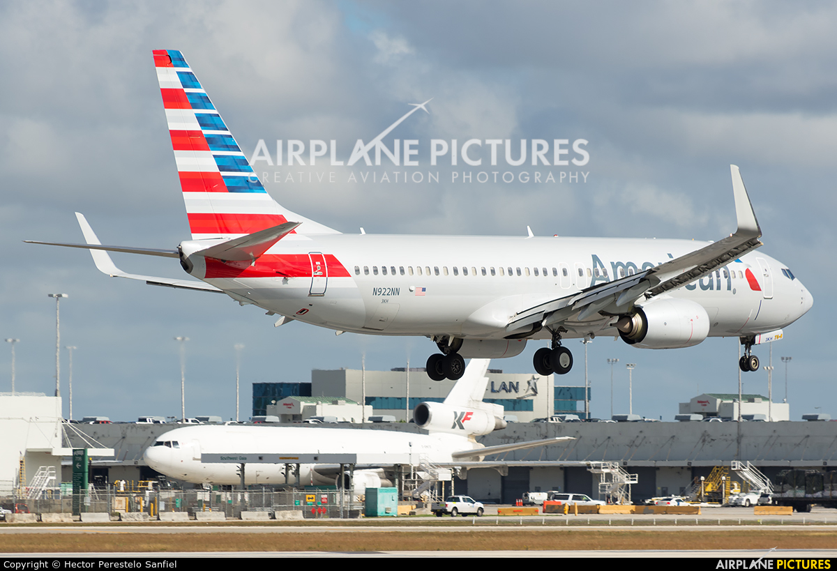 American Airlines N922NN aircraft at Miami Intl
