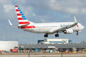 N936AN - American Airlines Boeing 737-800