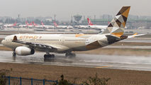 A6-EYF - Etihad Airways Airbus A330-200 aircraft