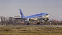 HL7574 - Korean Air Boeing 777-200 aircraft