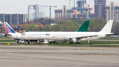 UR-COF - Dart Airbus A320
