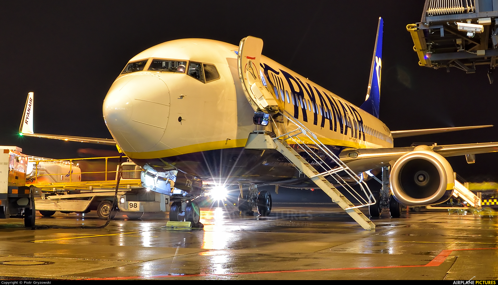 Ryanair EI-FZM aircraft at Wrocław - Copernicus