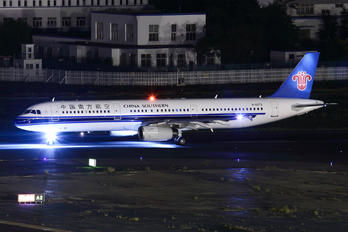 B-6273 - China Southern Airlines Airbus A321