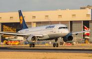 D-AIZH - Lufthansa Airbus A320 aircraft