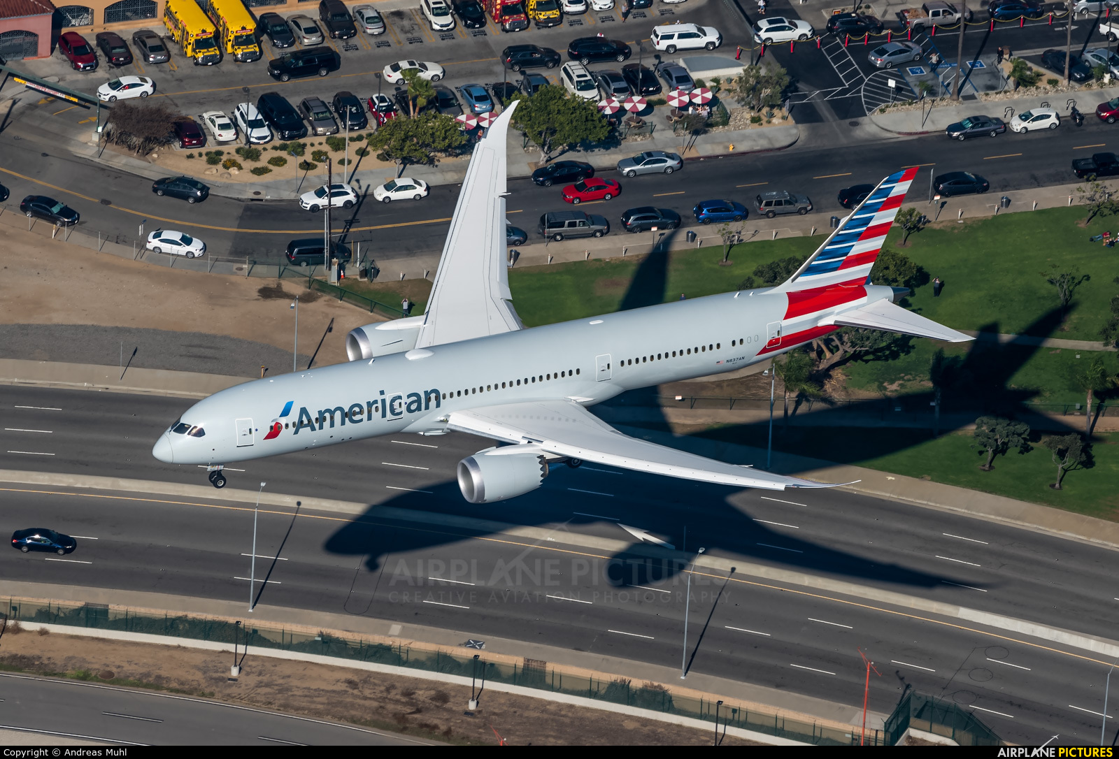 American Airlines N837AN aircraft at Los Angeles Intl
