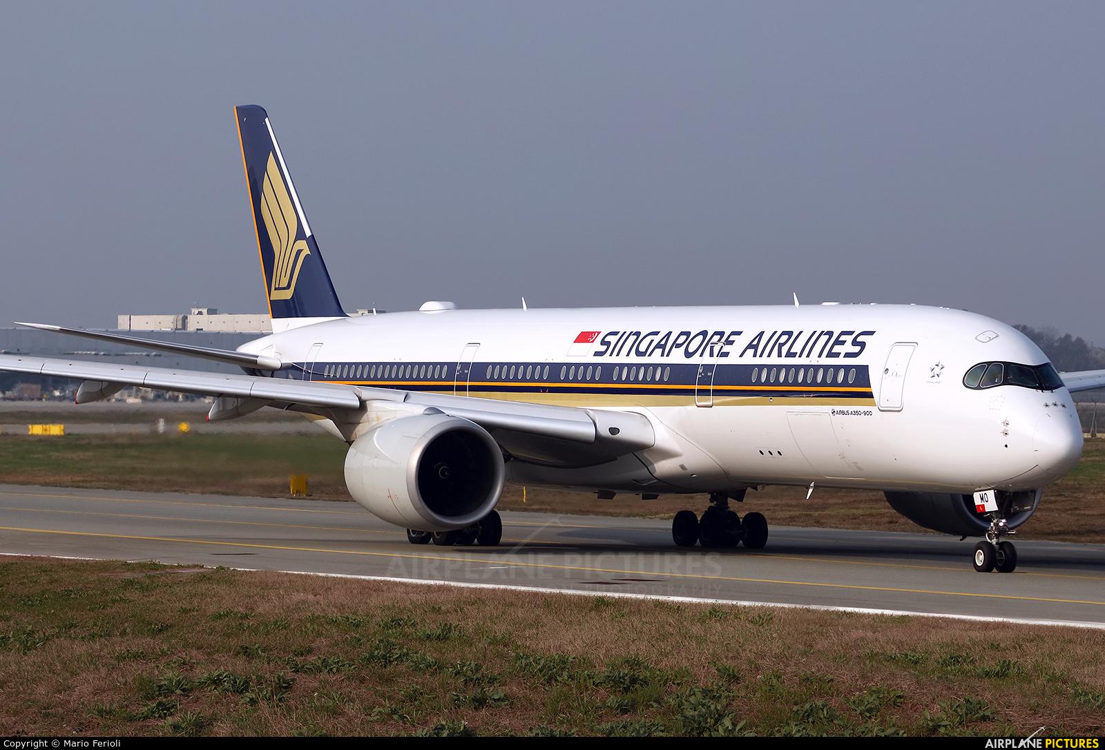 Singapore Airlines 9V-SMO aircraft at Milan - Malpensa