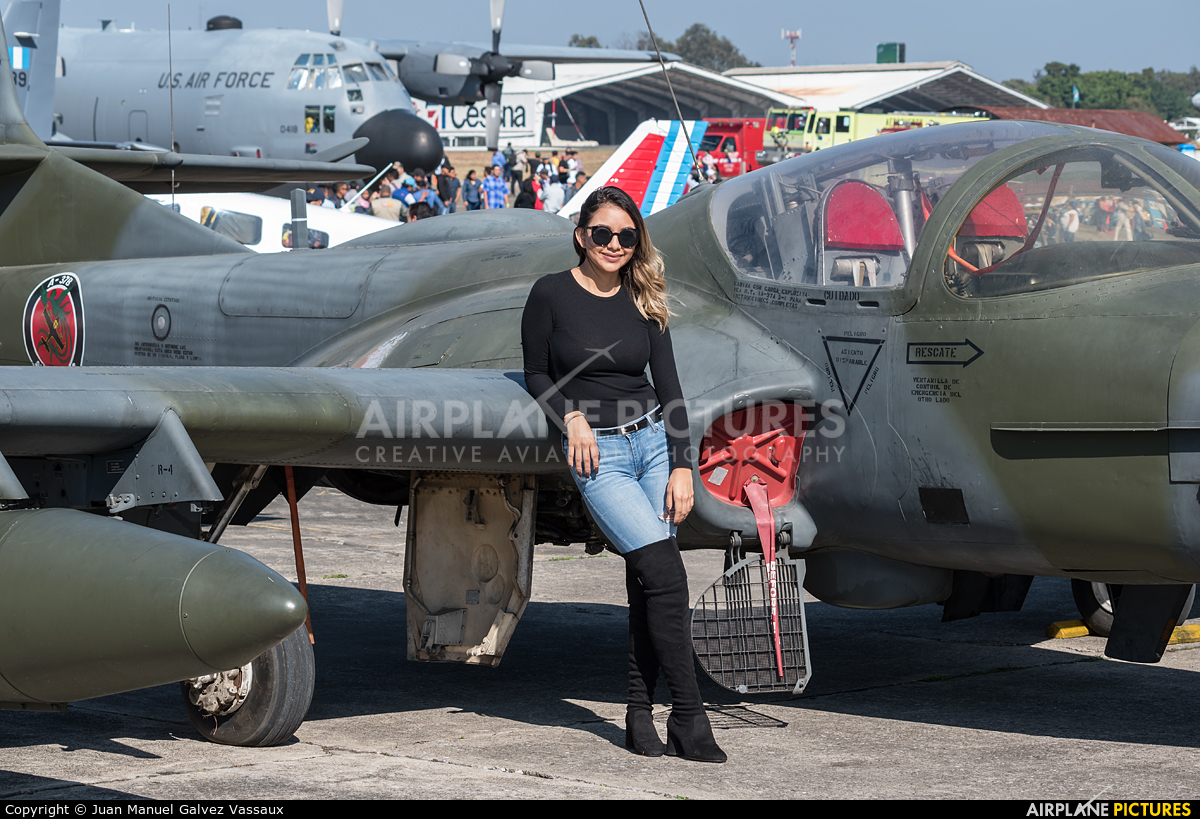 - Aviation Glamour  aircraft at Guatemala - La Aurora