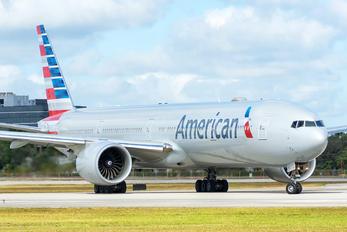 N732AN - American Airlines Boeing 777-300ER