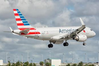 N9016 - American Airlines Airbus A319