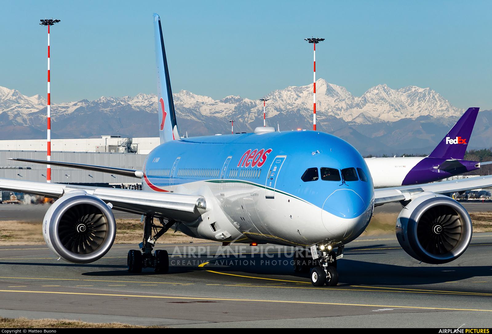 Neos EI-NEW aircraft at Milan - Malpensa