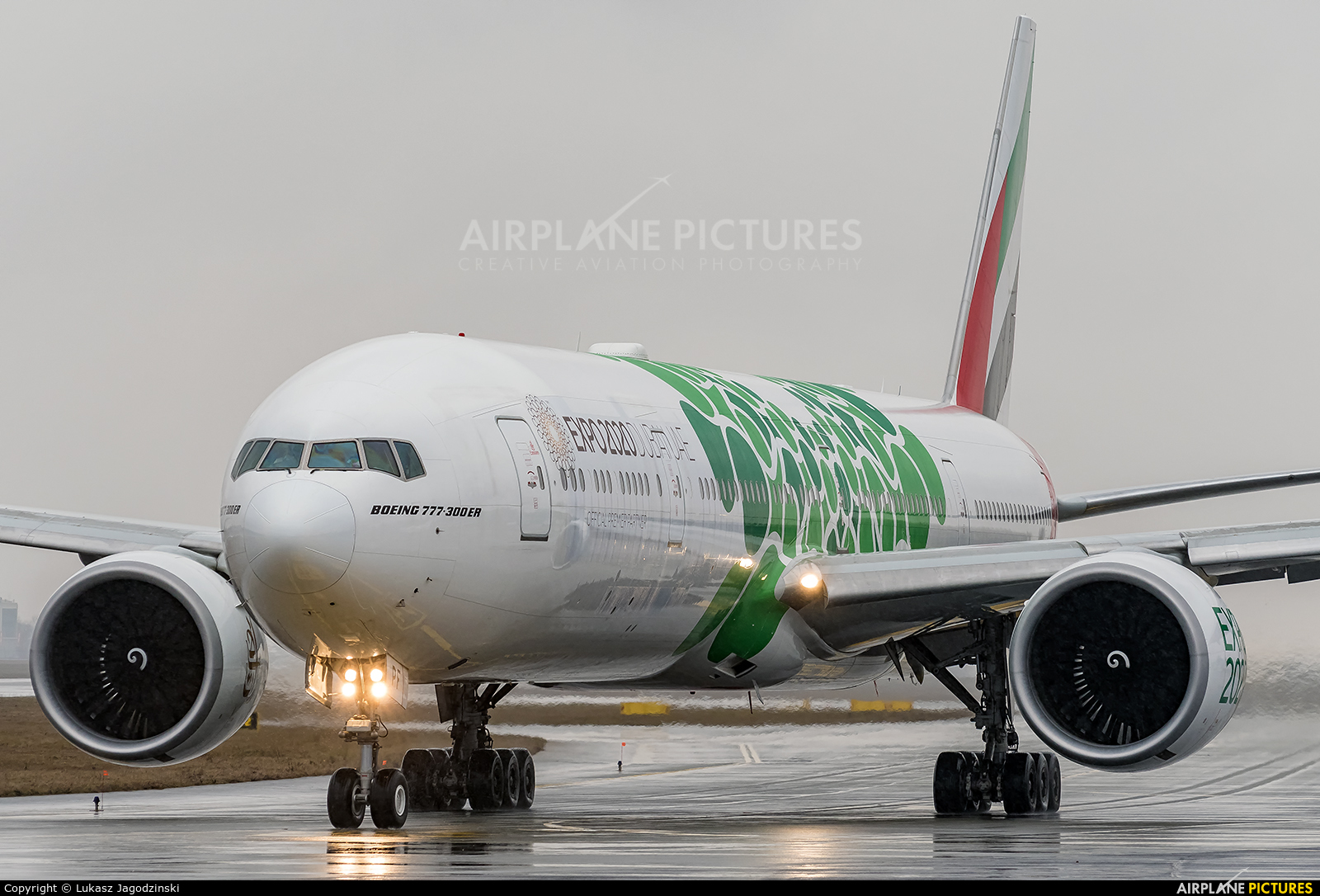Emirates Airlines A6-EPF aircraft at Warsaw - Frederic Chopin