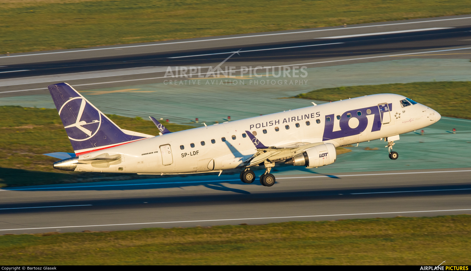 LOT - Polish Airlines SP-LDF aircraft at Warsaw - Frederic Chopin